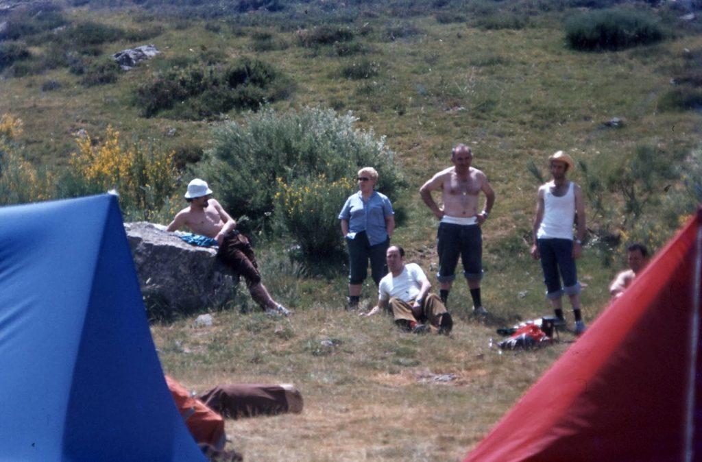 B405 - 06-07-80 Campamento base (Vidrieros)